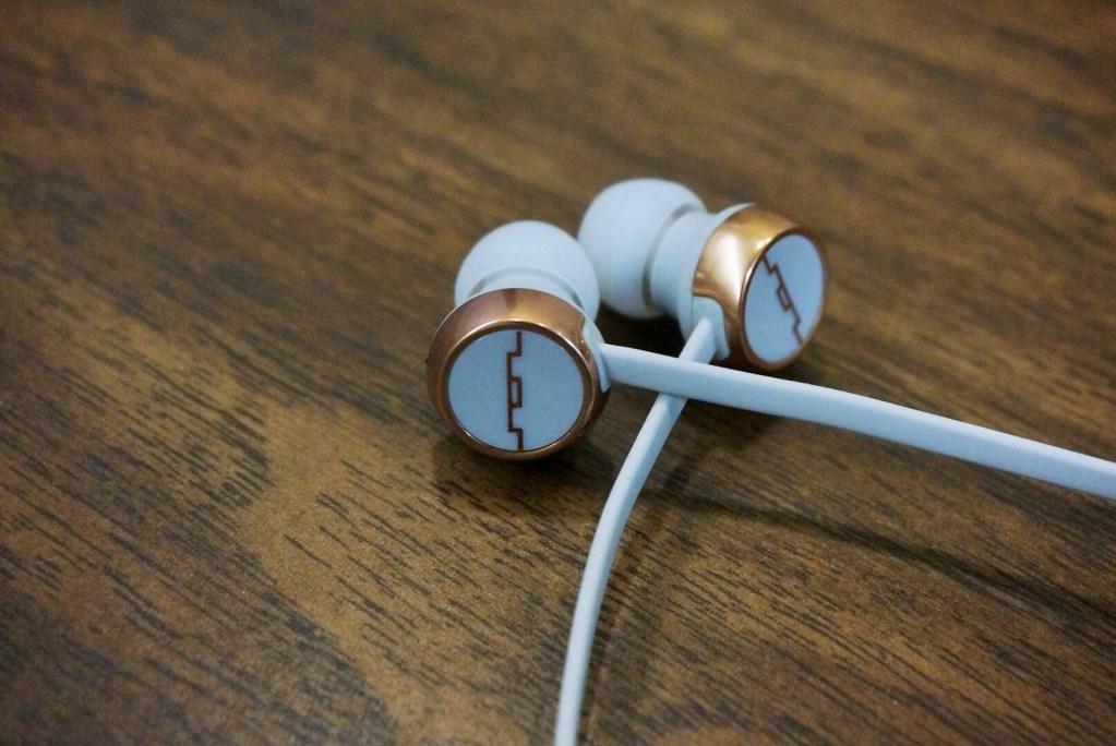 Sol Republic Shadow Wireless earbuds Review - Analie Cruz (5)