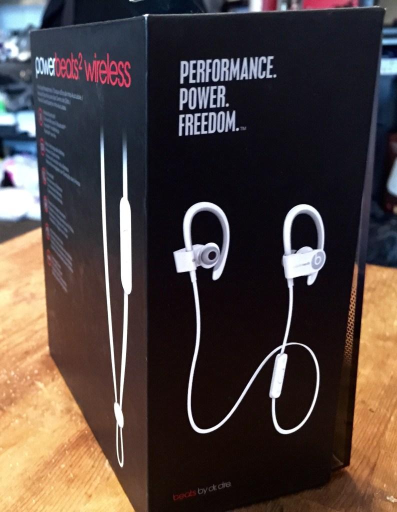 Beats by Dre - Powerbeats 2 Wireless - Analie Cruz (2)