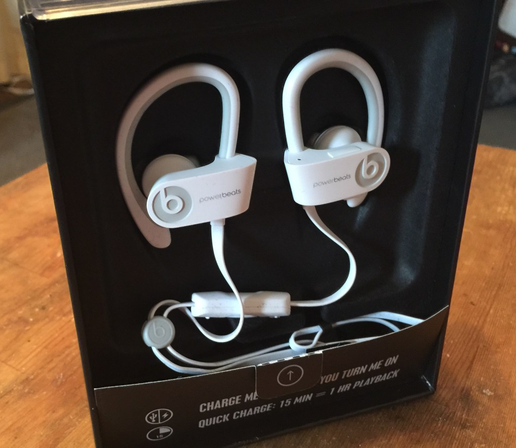 Beats by Dre - Powerbeats 2 Wireless - Analie Cruz (3)