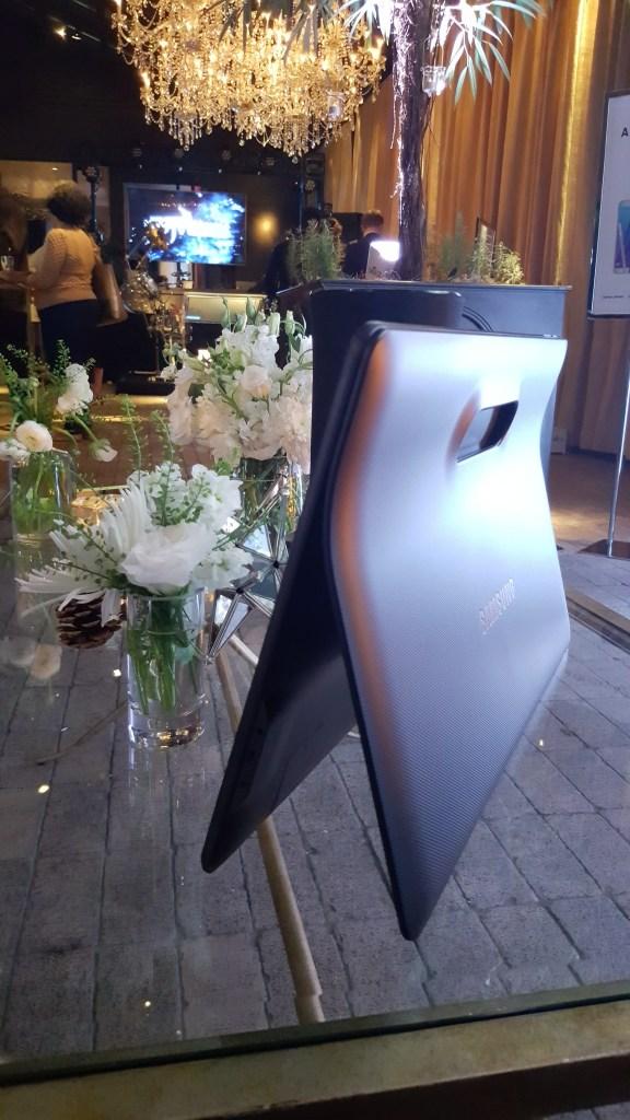Samsung Galaxy View AT&T - ATT - Analie Cruz (2)