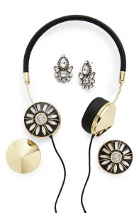 frends_headphones_fashionista_gift_guide