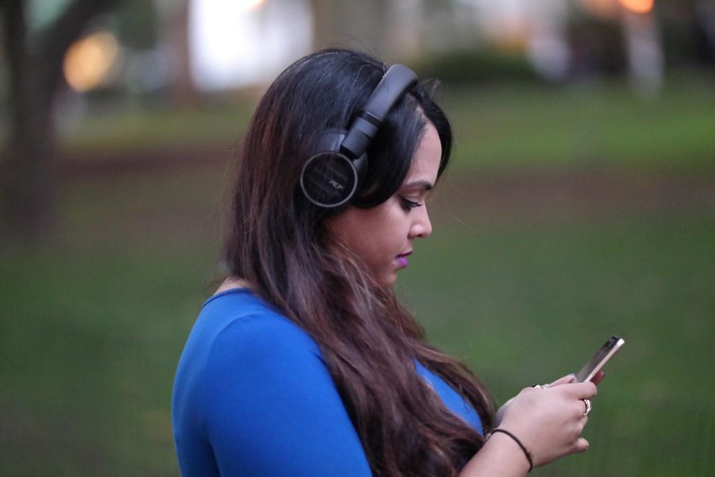 plantronics-backbeat-headphones-2-review-analie-cruz-1