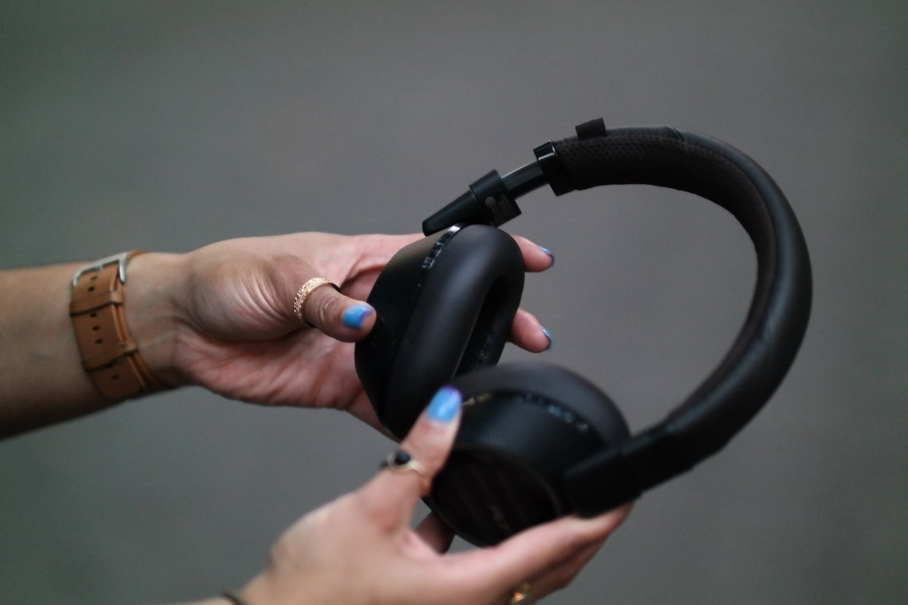 plantronics-backbeat-pro-2-heaphones-review-analie-cruz-1