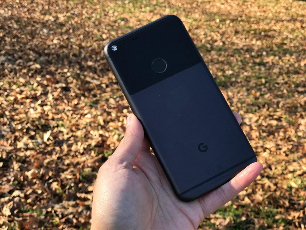 Google Pixel XL Review - Quite Black