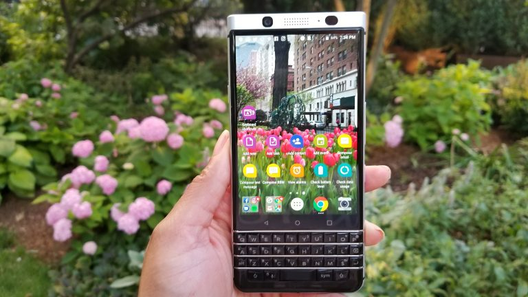 BlackBerry KEYone Review - Home Screen