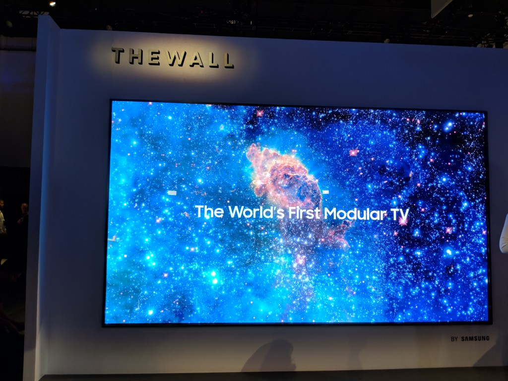 """Samsung """"The Wall"""" MicroLED TV"""
