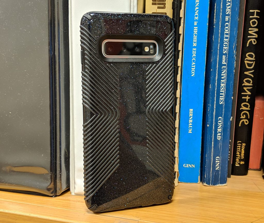 With Case - Samsung Galaxy S10 Review