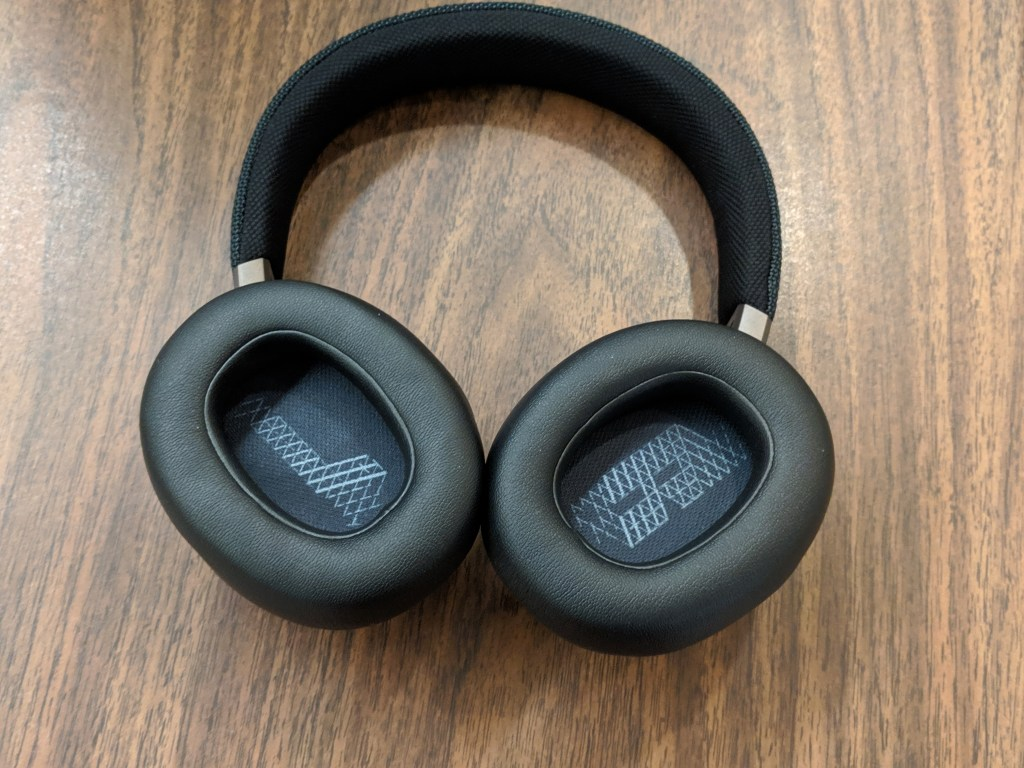 Labeled ear cups - JBL LIVE 650BTNC wireless over-ear Headphones Review (1)