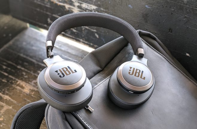 JBL LIVE 650BTNC wireless over-ear Headphones Review (15)