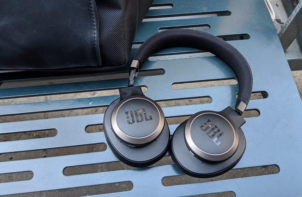 JBL LIVE 650BTNC wireless over-ear Headphones Review