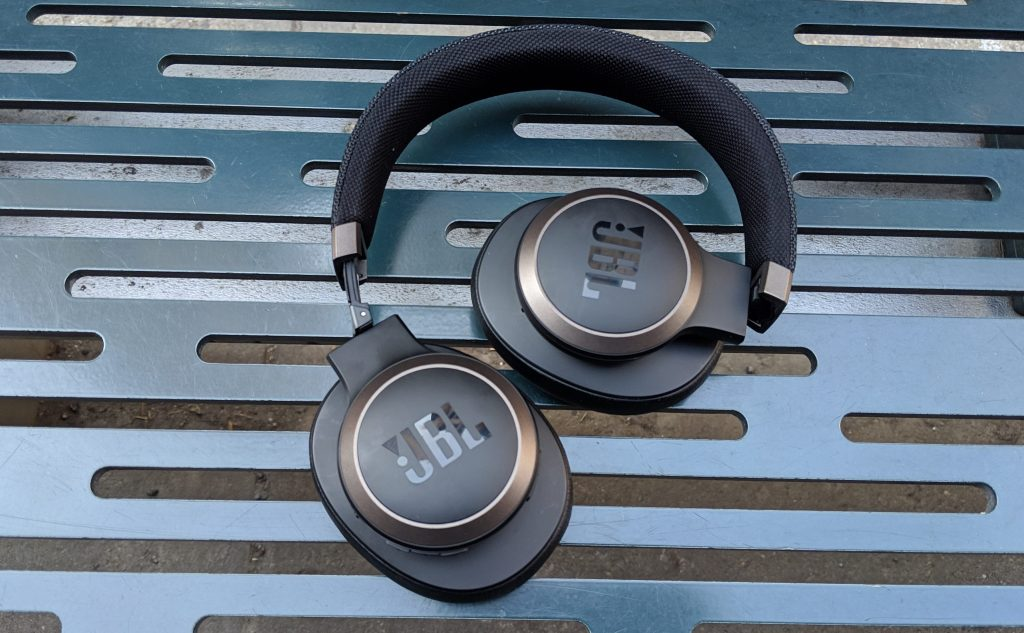 Folded up - JBL LIVE 650BTNC wireless over-ear Headphones Review