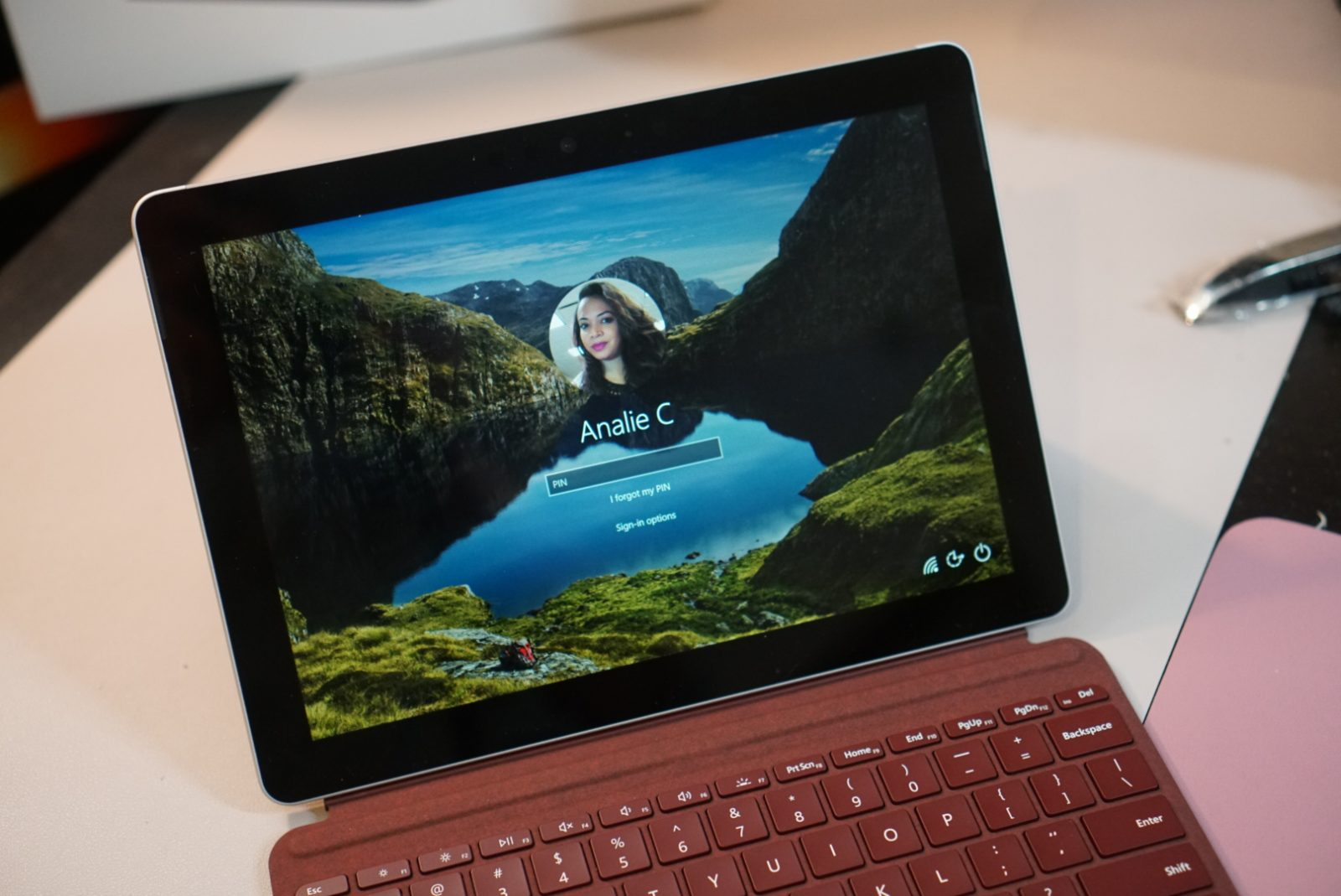 Microsoft Surface Go 2-in-1 Laptop