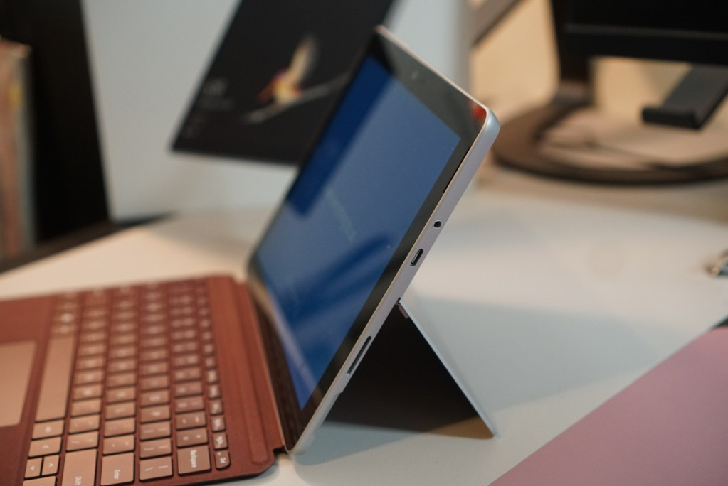 Ports - Microsoft-Surface-Go-2-in1-Laptop-Review-8